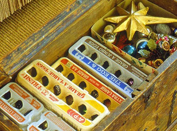 Use egg cartons to separate & store your Christmas decorations.