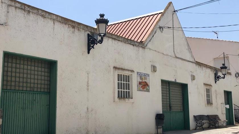 Las obras en la plaza de abastos será solo en la fachada de la Calle Real.