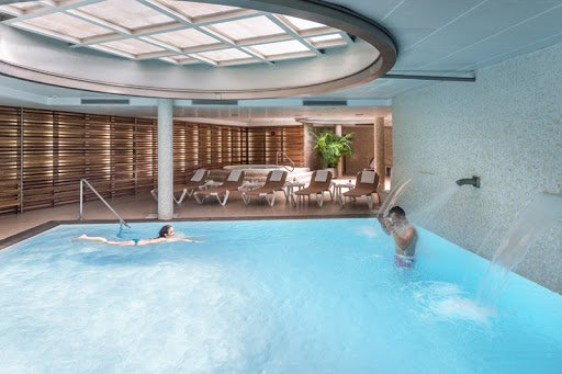Spa heated swimmingpool