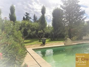 villa à Montaren-et-Saint-Médiers (30)