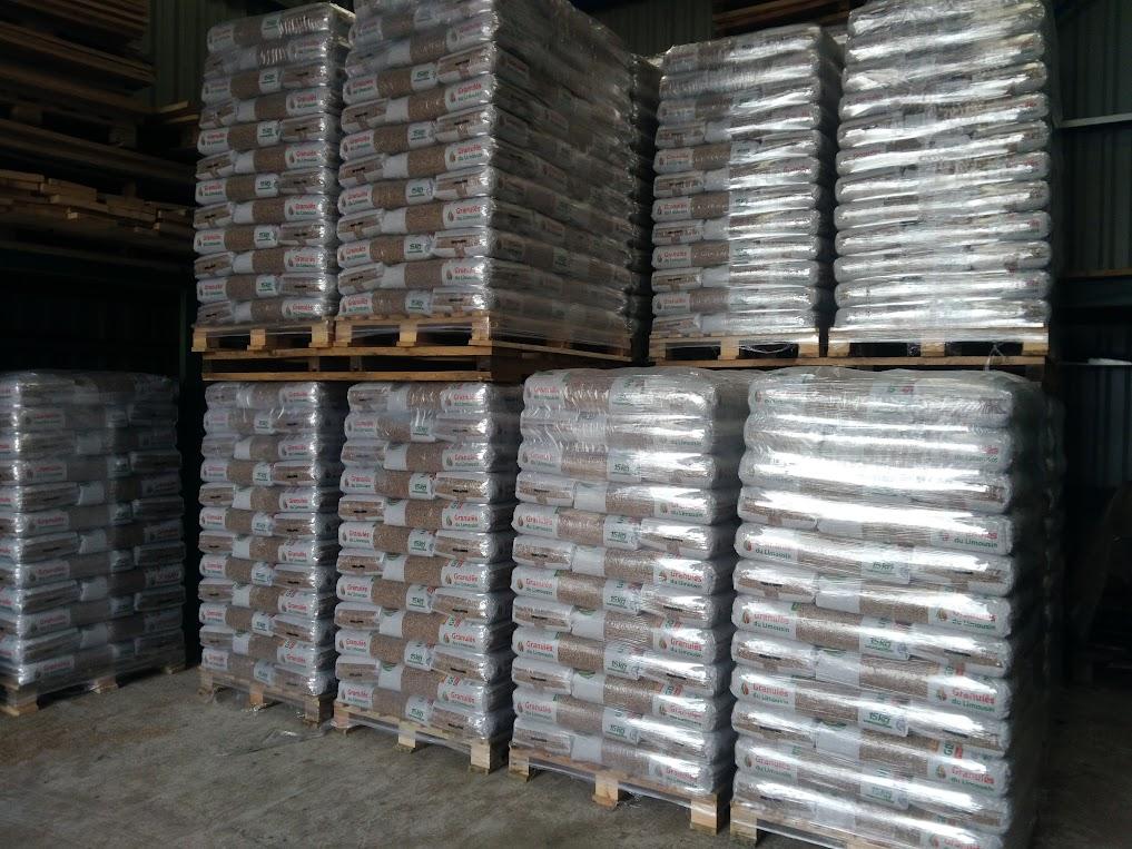 stockage palettes de granulés bois