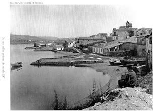Photo: Os tres peiraos na Moureira de Arriba. Onde está hoxe o clube Naval de Pontevedra. Por estes peiraos aínda había un pequeno carreiro que os unía.