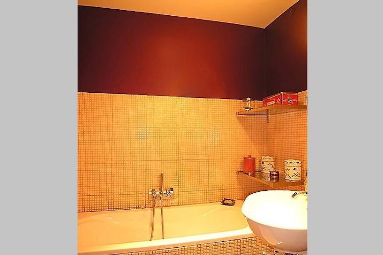 Family bathroom at 3 bedroom Apartment Rue Du Cherche Midi, St Germain
