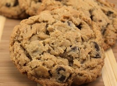 Toasted Oats Pb & Chocolate Chip Cookies Recipe