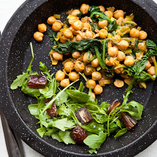 Chickpeas with Leeks, Spinach, and Smoked Paprika