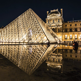 by Nicholas  H - Buildings & Architecture Public & Historical ( night, lights,  )