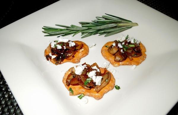 To assemble, place 24 pretzel crisps on a serving platter.  Divide the mushrooms...