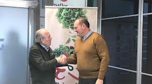 En la firma de dicho convenio han participado el Alcalde Antonio Fernández Liria y el presidente de la mercantil Lorenzo Belmonte Navarro.