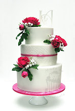 Photo: Detailbilder und Infos über diese Torte auf meinem Blog http://tortentante.blogspot.de/2014/05/hochzeitstorte-mit-pfingstrosen-in-pink.html