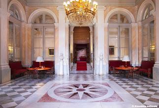 Photo: Salon Pujol  Ce salon a été décoré en trompe-l'œil par Abel de Pujol. Les députés siégeant à droite ont coutume de s'y rencontrer.