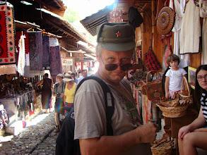 Photo: Janusz na bazarze tureckim - Kruja - Albania