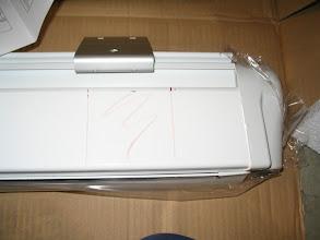 Photo: Marco la ubicación de las placas de fijación, según las distancias que recomienda el fabricante.