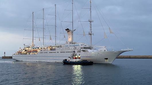 La segunda parada del crucero Wind Surf trae a Almería a los turistas americanos