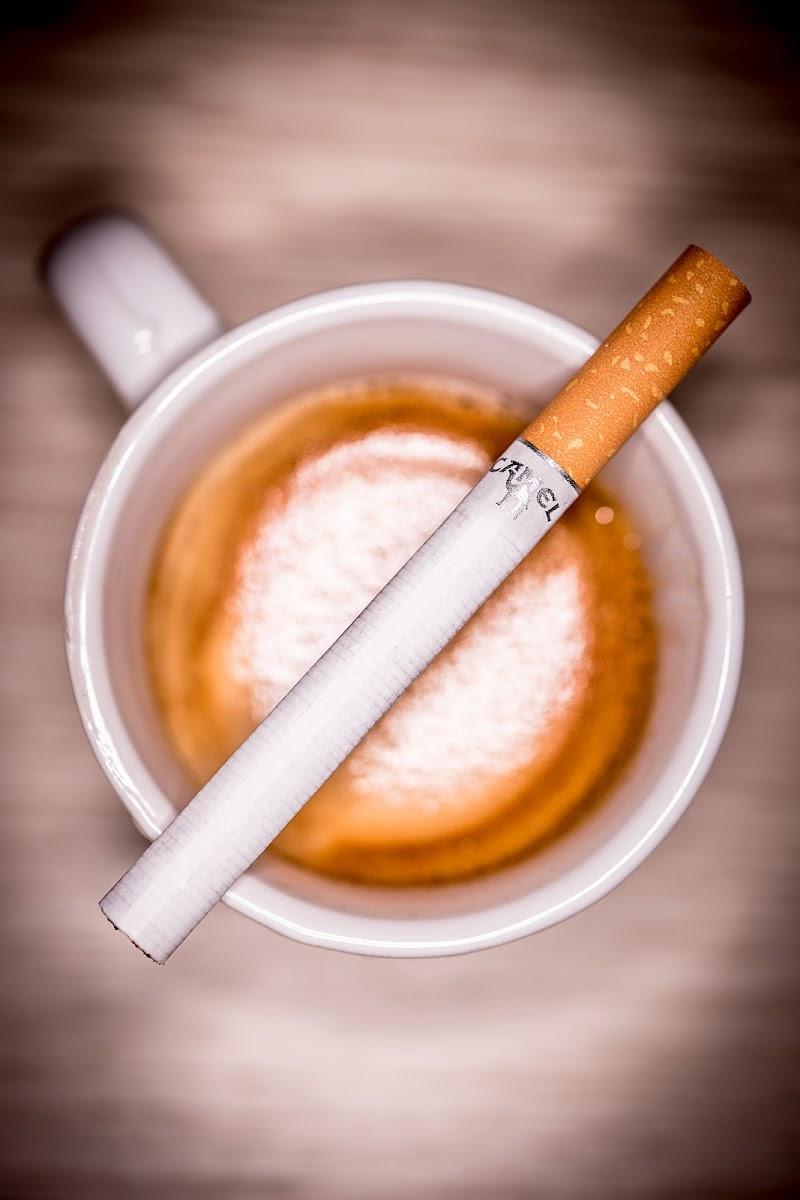 Coffee & Cigarettes... di Mariano Romani