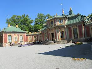 Photo: Kiinan palatsi Drottningholmin puistossa. Linna on maailman parhaiten säilyneitä rokokoo-ympäristöjä kiinalaisine vaikutteineen. Linna valmistui 1769 ja perusteellisen restauroinnin jälkeen (1989-1996) se on nyt alkuperäisessä kunnossa.