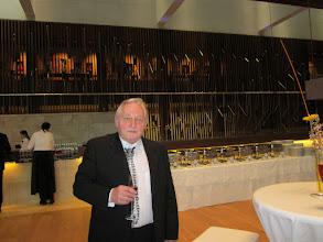 Photo: Eröffnung Linzer Musiktheater am 11. 4. 2013. Anton Cupak vom Online-Merker bei der Feier. Foto: Renate Cupak