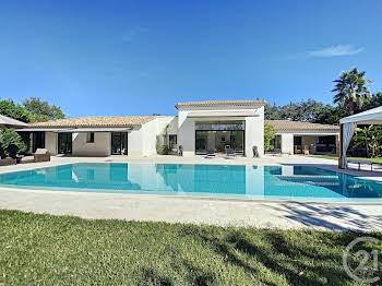 Villa 8 pièces 227,95 m2