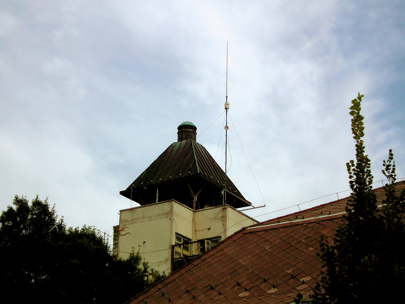 Békés/Jantyik Mátyás u. 23. - helyi URH-FM adóállomás