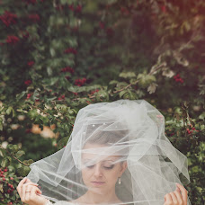 Wedding photographer Nata Rafikova (Rafi). Photo of 03.02.2014