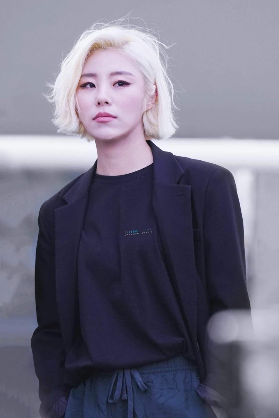 wheein blonde 1