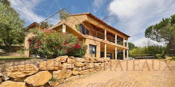 Villa 7 pièces 216 m2