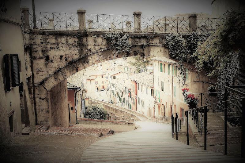 ad'ogni borgo la sua scalinata di Carla Roganti