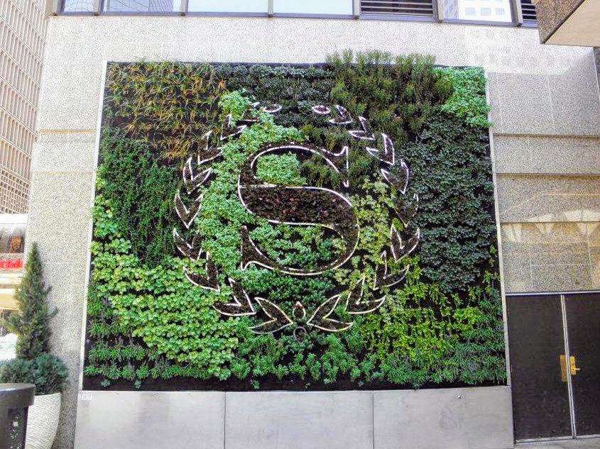 Jardín vertical de exterior instalado en Denver, Colorado EEUU