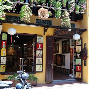 ホイアン旧市街のアートギャラリー「ンガン・スー」で買える伝統的なラック塗り絵