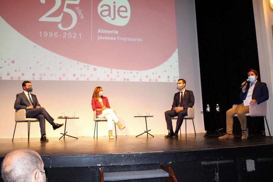 El presidente de la Diputación, la delegada de Gobierno, el alcalde y el coordinador de la ponencia.
