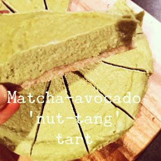 Healthy Matcha avocado surprise pie!