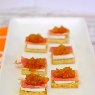 Fig, Brie & Prosciutto Triscuit Toppers
