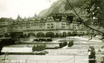 Photo: Quadras de esporte do Palácio Quitandinha. Foto da década de 40