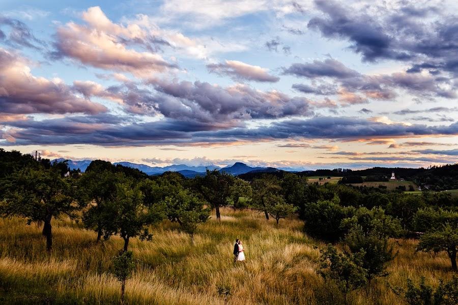 Wedding photographer Marius Barbulescu (mariusbarbulesc). Photo of 06.10.2015