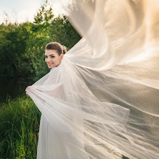 Wedding photographer Aleksey Krupilov (Fantomasster). Photo of 15.08.2017