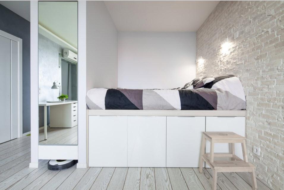 Высокая кровать-подиум
