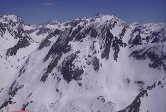 Photo: Face nord du Soum de Marraut 2709m, col de Peyrahitte à gauche. Pic Long 3192m juste dérriere en arriére plan.