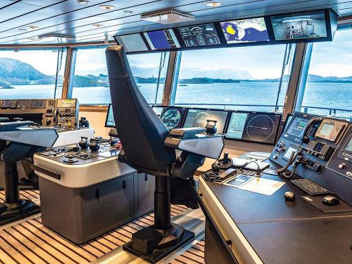 national-geographic-endurance-bridge.jpeg - Unlike most ship, National Geographic Endurance allows passengers onto the bridge.