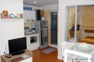 Photo: 冷蔵庫を始め、炊飯器湯沸かしポット、電子レンジ、電気オーブンなども揃っています。