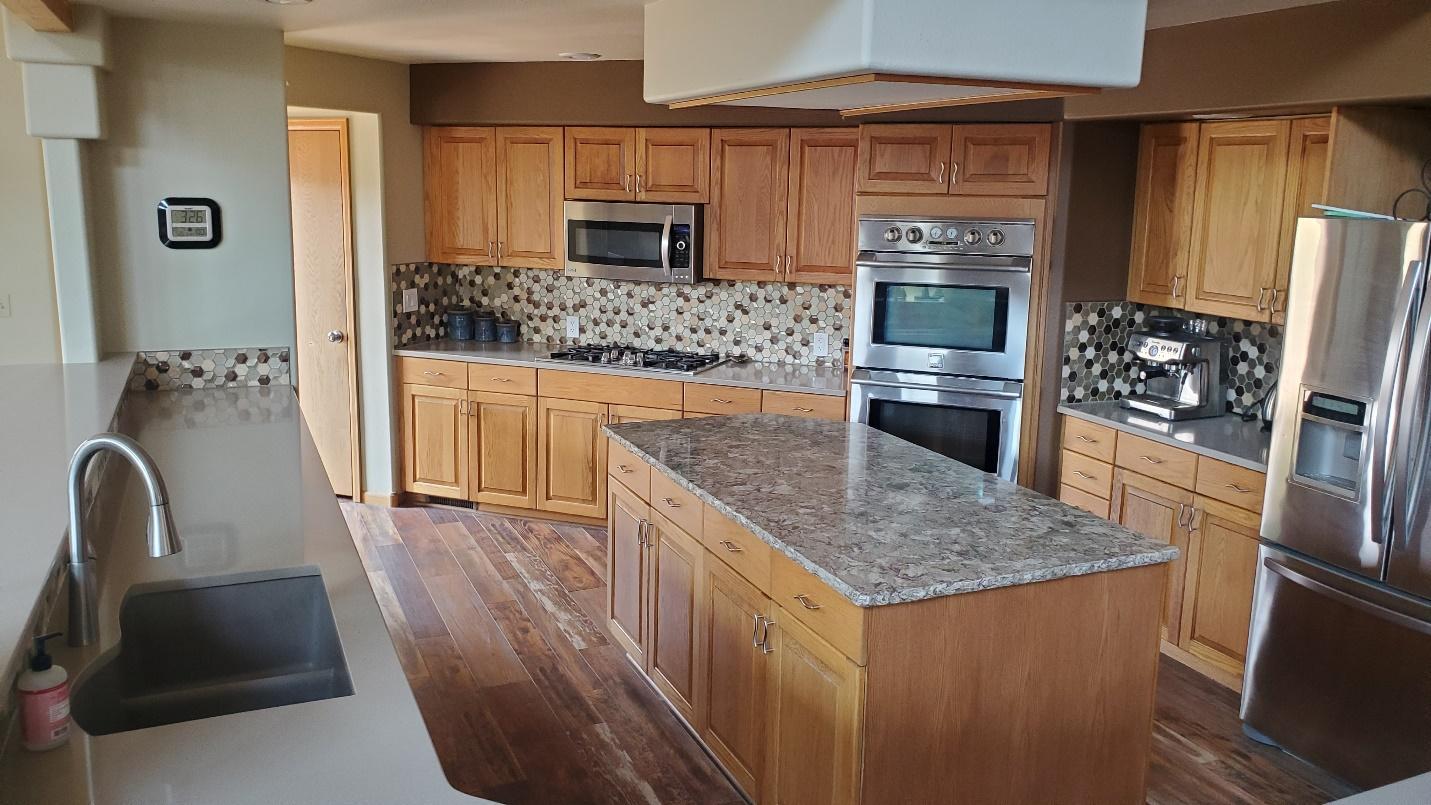 i9nyV3di0mZ5oobdCEod0hFPc7CNV9wd2ud3OBfTS9t8u1yMTfo2YNyQG YaOn MUHrHg5ClLDh4jCZsHSSn8JTh gz1 b4lbvL8aDg 2vrIhgvt97hlnJxFUMjSAsq 8vsxmDI=s0 - Before & After: A Fort Collins Kitchen Remodel to Update Tired Kitchen Tile & Butcher Block