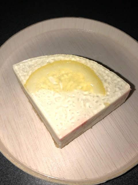 カラベルのプラミアムチーズケーキレモン
