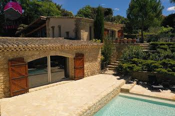 propriété à La Roque-sur-Pernes (84)