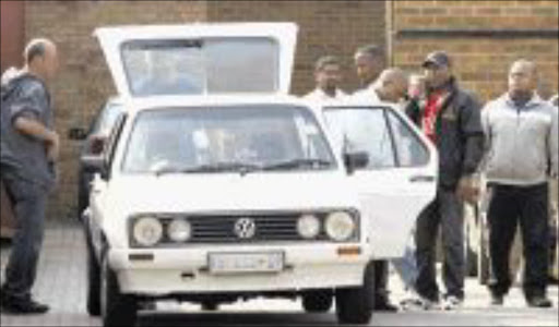 10 SEP2009 MMO - William 'KING BLING' outside the court in Germeston. Pic. MOHAU MOFOKENG. 10/09/2009. © sowetan