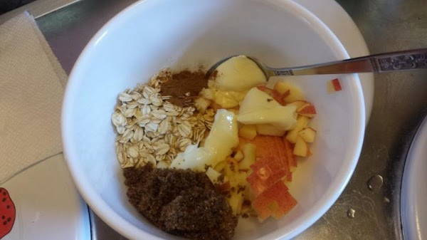 Make streusel filling:Place apples, butter, oatmeal, brown sugar, cinnamon, and vanilla in a medium...