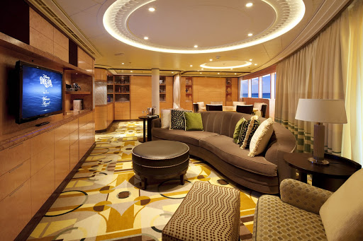 Disney-Dream-royal-suite.jpg - The Concierge Royal Suite with Veranda on Disney Dream features a private master bedroom. two bathrooms, two whirlpools and concierge service.