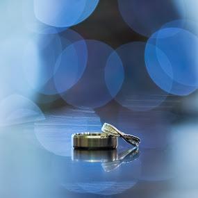 The Unbroken Circle by Nigel Hepplewhite - Wedding Details ( blue, wedding, christmas, christmas tree, rings, bride, groom, winter weddings, bokeh )