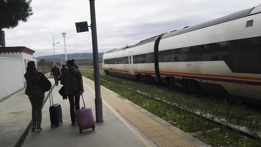 Trasbordo de pasajeros en Osuna (Sevilla).
