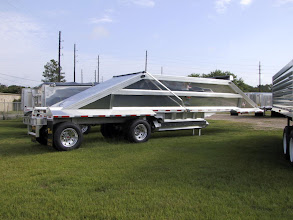 Photo: Aerolite 42' spread axle