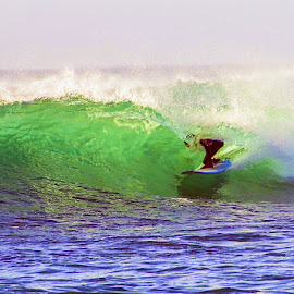 by Mark Holden - Sports & Fitness Surfing