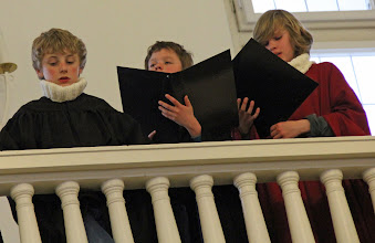 Photo: sung in German by a children's choir from Rostock