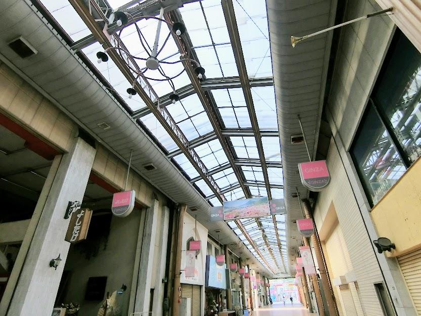 天満宮へと続く参道のアーケード街・防府『天神町銀座商店街』